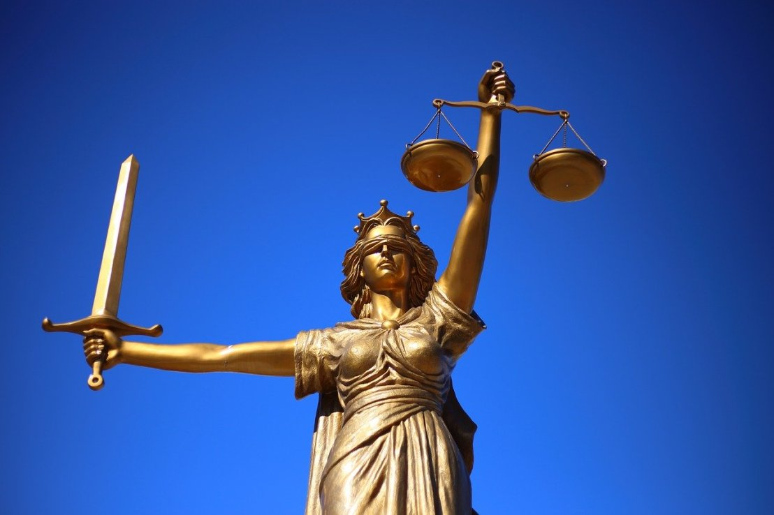 justice-2060093_1280(7)